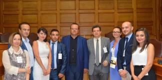 Από τη συνάντηση με την Ειδική Μόνιμη Επιτροπή Ελληνισμού Διασποράς (από αριστερά προς δεξιά) Μαρίνα Ματθαιουδάκη, Γιάννης Αντωνιάδης, Άννα Ηλιάδου, Άλκης Αναστασιάδης, Αλέξανδρος Τριανταφυλλίδης, Περικλής Μήτκας, Βικτώρια Κράφτσενκο, Κωνσταντίνος Σαμουρκασίδης, Άννα Κιτάροβα.