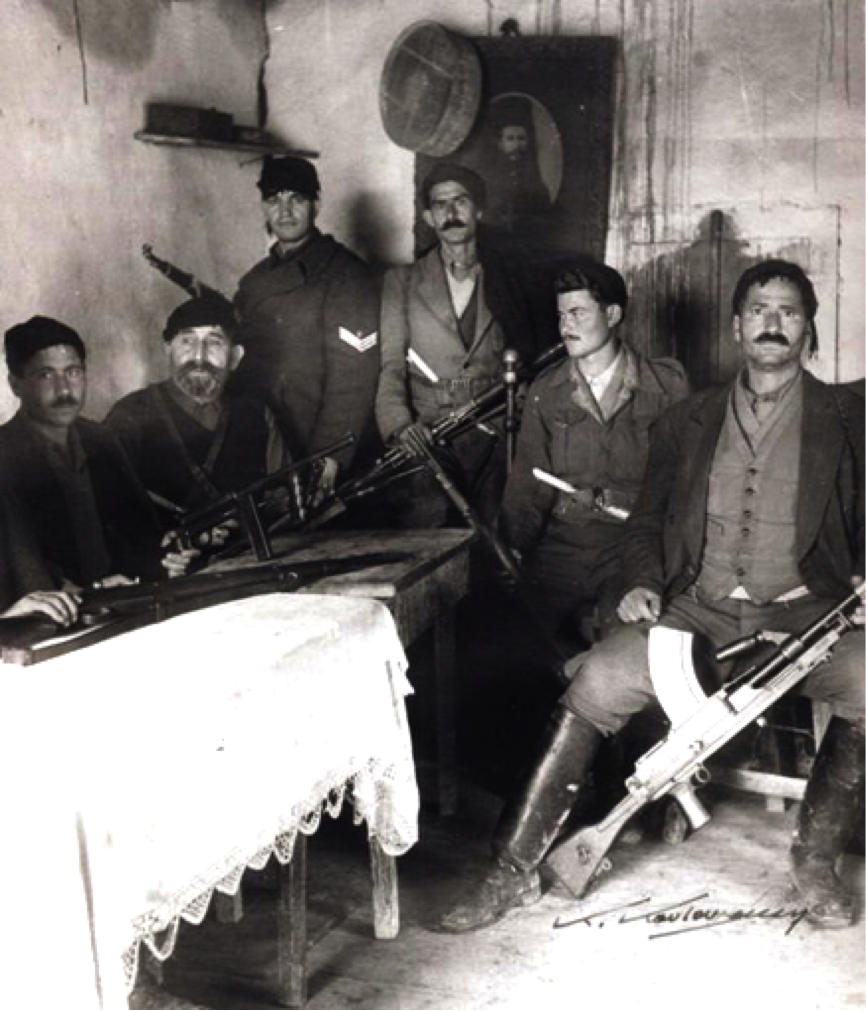 Η εθνική αντίσταση της Κρήτης ήταν ενέργεια λαϊκών απλών, καθημερινών ανθρώπων και όχι στρατιωτικών, αφού αφενός ο στρατός των συμμάχων μετά τη Μάχη της Κρήτης έφυγε στη Μ. Ανατολή και αφετέρου από το Νοέμβριο του 1940 η Κρήτη ήταν αφύλακτη, χωρίς ελληνικό στρατό και χωρίς οργανωμένη άμυνα, (η 5η Μεραρχία της Κρήτης έιχε σταλεί στο ελληνοαλβανικό μέτωπο μετά την κήρυξη του ελληνοϊταλικού πολέμου). Κατά τη διάρκεια της κατοχής δημιουργήθηκαν πλήθος από αντιστασιακές οργανώσεις σε ολόκληρη την Κρήτη, όπως του Μανώλη Μπαντουβά στον Αγ. Σύλλα, του Πετρακογιώργη στις Καμάρες, η ομάδα του Αδάμη Κρασανάκη στη Δίκτη, η Οργάνωση Ανωγείων, η οργάνωση του Ραφτόπουλου στη Βιάννο, η Οργάνωση του Αντώνη Γρηγοράκη ή «Σατανά» στον Κρουσώνα, η Οργάνωση του Κατσιά στα Σφακιά, η οργάνωση του Μάντακα στα Λευκά όρη, του Γιώργη Κατσιρντάκη στα Χουστουλιανά, κ.α. Αξιοσημείωτα είναι δυο από τα μεγάλα κατορθώματα της Εθνικής Αντίστασης στην Κρήτη: (α) η απαγωγή του Γερμανού στρατιωτικού Διοικητή Κρήτης Στρατηγού Κράιπε (26 Απριλίου 1944) από Άγγλους και Κρήτες αντιστασιακούς, και (β) ο εξαναγκασμός σε παράδοση του Ιταλού στρατιωτικού διοικητή Στρατηγού Άντζελο Κάρτα επίσης από Κρήτες αντιστασιακούς.