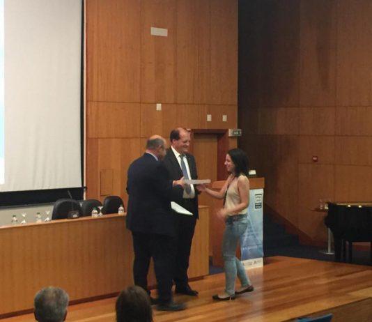 Απονομή του Βραβείου Καλύτερης Παρουσίασης στο Διεθνές Επιστημονικό Συνέδριο «51st Universities Power Engineering Conference (UPEC)» στην Ευανθία Μπούσιου.