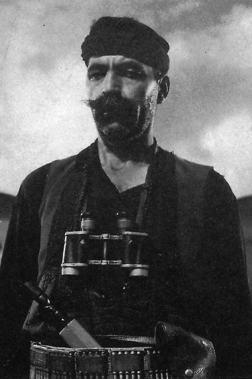 Ο οπλαρχηγός Κυριάκος Κατσαντώνης της ομάδας Πετρακογιώργη από τους γενναίους μαχητές της Αλβανίας, της μάχης και της αντίστασης στην Κρήτη από τους Γουργούθους Αμαρίου.