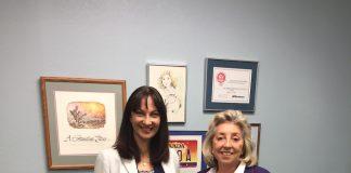 Η Αν. Υπουργός Πολιτισμού Έλενα Κουντουρά με την DinaTitus, μέλος του Κογκρέσου από την Νεβάδα