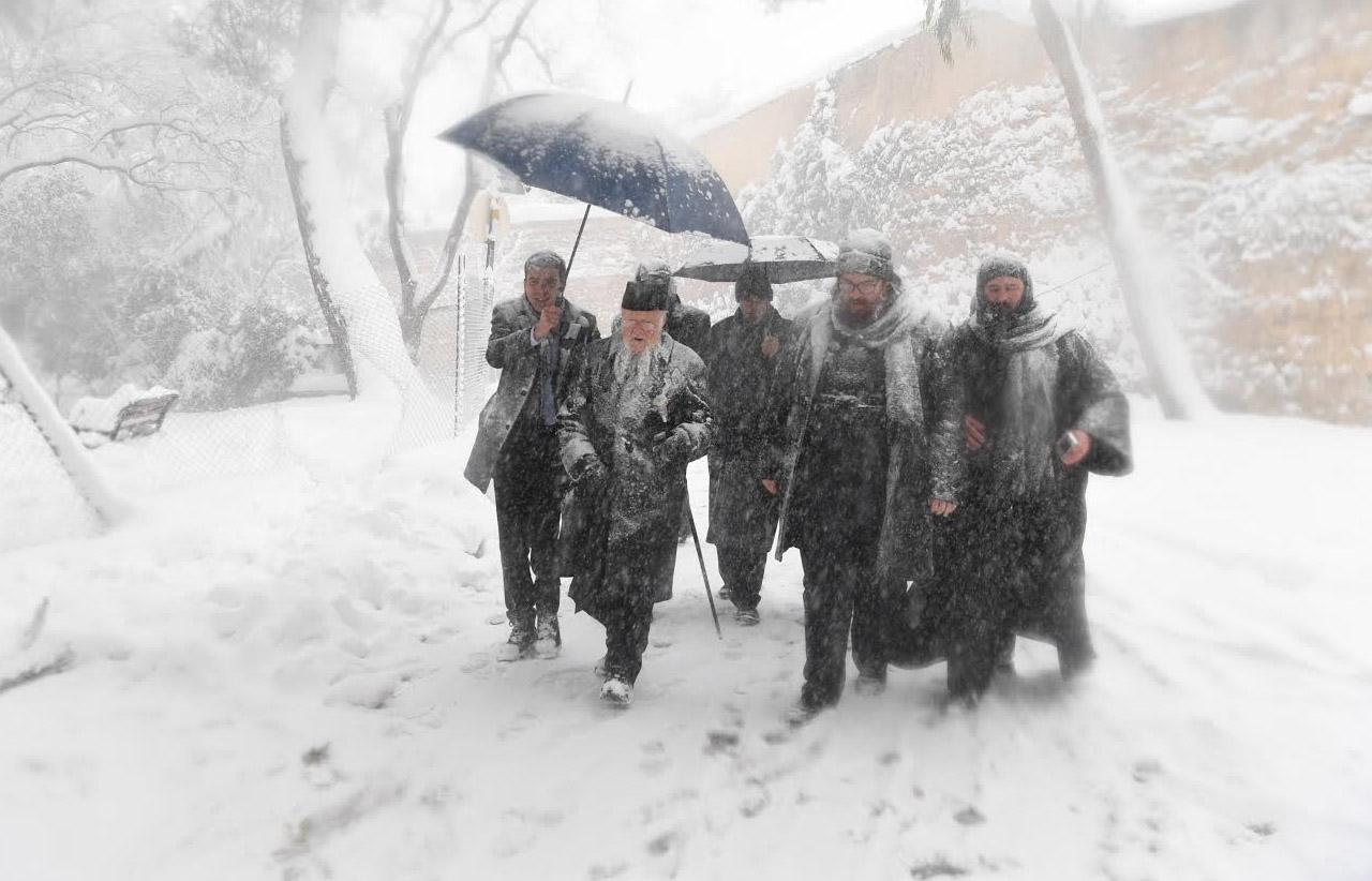 Οικουμενικός Πατριάρχης Βαρθολομαίος στη χιονισμένη Κωνσταντινούπολη