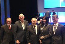 Η Υπουργός Τουρισμού κα Έλενα Κουντουρά με τον Πρόεδρο του World Tourism Forum της Λουκέρνης κ. Μartin Barth ( από δεξιά προς αριστερά) τον Ομοσπονδιακό Υπουργό Οικονομικών Υποθέσεων, Εκπαίδευσης και Έρευνας της Ελβετίας, κ. Johann Schneider-Amman, τον πρωθυπουργό της Σάντα Λουτσία και υπουργό Τουρισμού κ.Allen Michael Chastanet, και τον Τeo Ah Khing, Πρόεδρο της Desert Star Holdings.