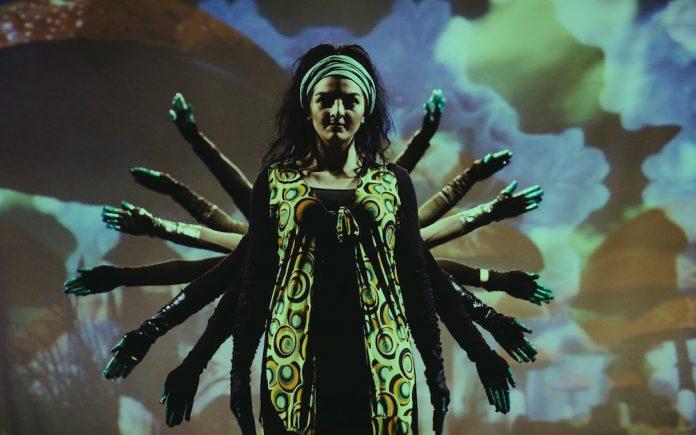 """ΑLICE"""" του ARMANI MUSICAL THEATER CENTER"""