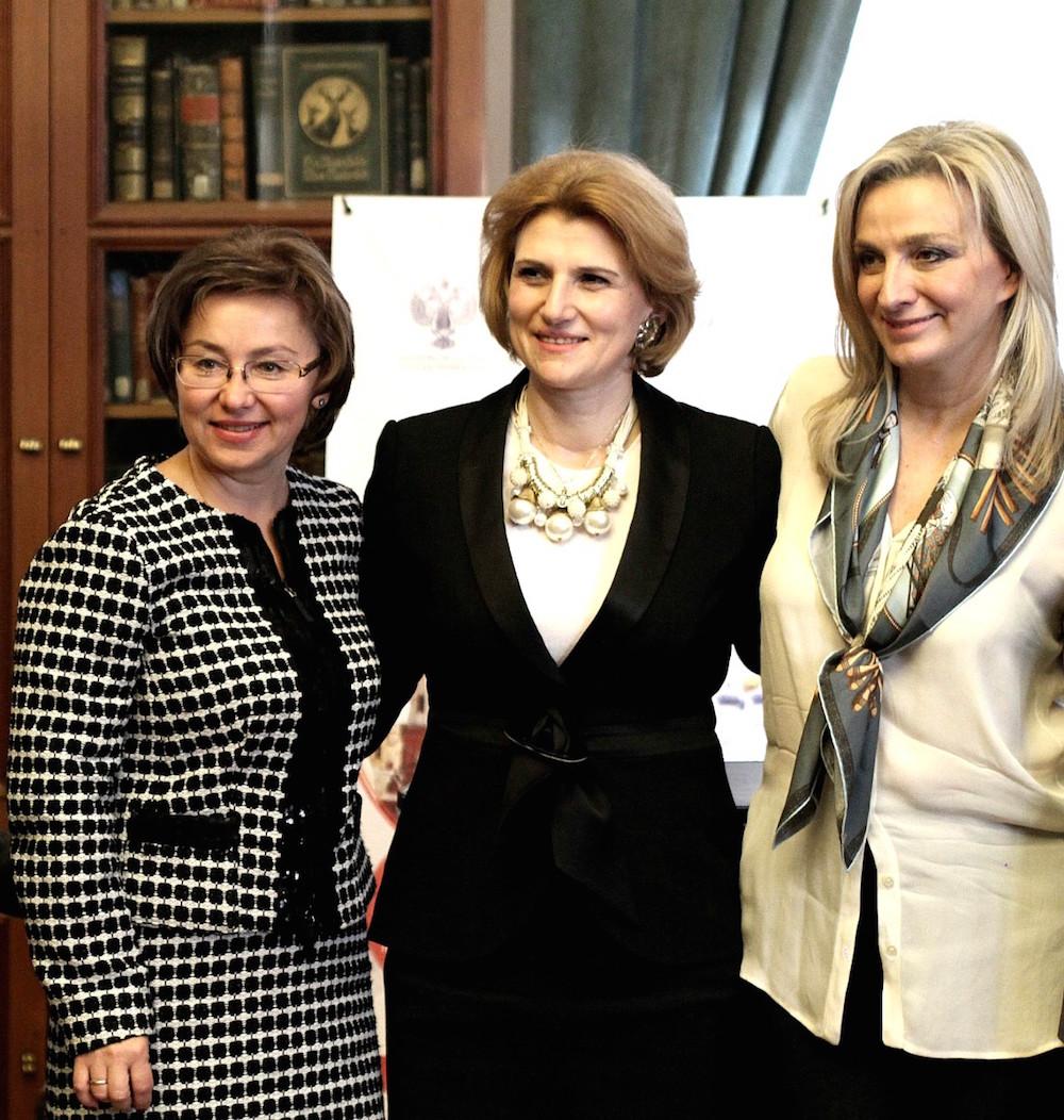 Η διευθύντρια γραφείου Υπουργού Τουρισμού και Αντιπρόεδρος ΔΣ του Ελληνικού Οργανισμού Τουρισμού (ΕΟΤ), κα  Αγγελική Χονδροματίδου με την Διευθύντρια του Τμήματος Τουρισμού και Περιφερειακής Πολιτικής του Υπουργείου Πολιτισμού της Ρωσικής Ομοσπονδίας, κα Olga Yarilova
