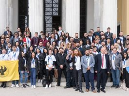 Hellenic Youth in Action» Φόρουμ των απανταχου νέων Ελλήνων Ζάππειο