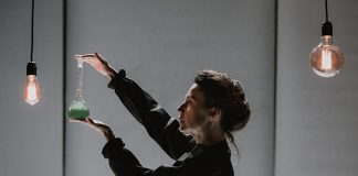 """H απολογία της Μαρί Κιουρί"" στο Θέατρο Σταθμός"