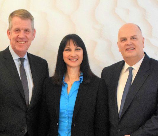 Συνάντηση της Υπουργού Τουρισμού Έλενας Κουντουρά με το διευθύνοντα σύμβουλο του ομίλου TUI Friedrich Joussen