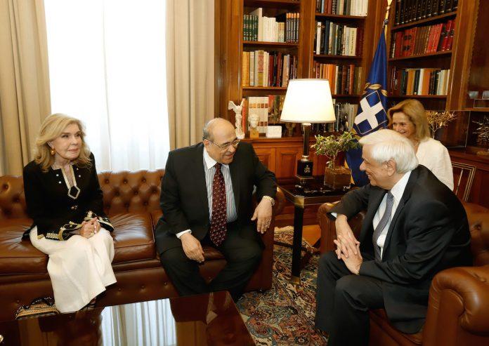 Με τον Πρόεδρο της Δημοκρατίας, Π. Παυλόπουλο, συναντήθηκαν ο Διευθυντής της Βιβλιοθήκης της Αλεξάνδρειας, και Πρόεδρος του Διοικητικού Συμβουλίου του Κέντρου Ελληνιστικών Σπουδών Δρ Mostafa El Feki, και η Πρέσβυς Καλής Θελήσεως της UNESCO, και Ιδρύτρια του Κέντρου Ελληνιστικών Σπουδών της Βιβλιοθήκης της Αλεξάνδρειας, κα Μαριάννα Β. Βαρδινογιάννη