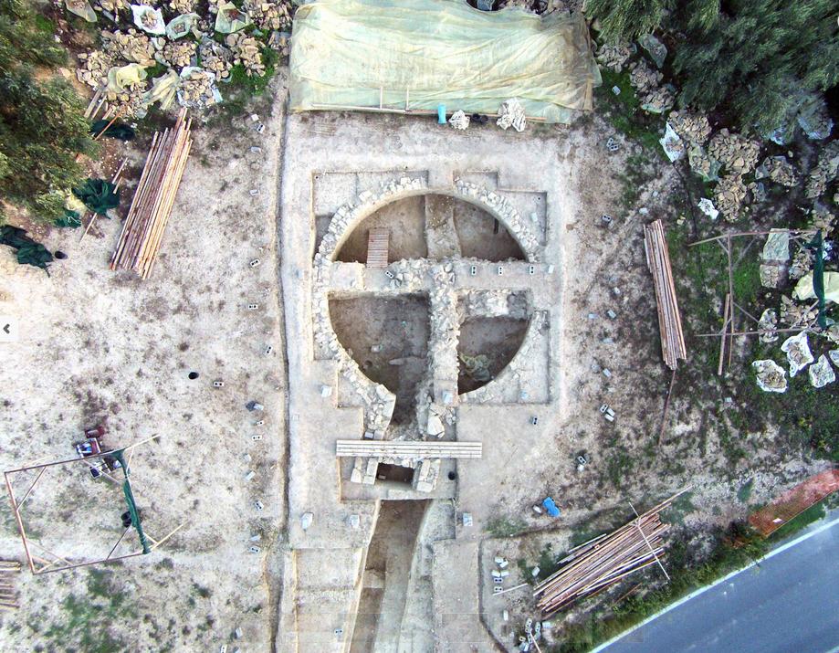 Δύο νέοι ασύλητοι τάφοι ανακαλύφθηκαν στον Άνω Εγκλιανό στην Πύλο